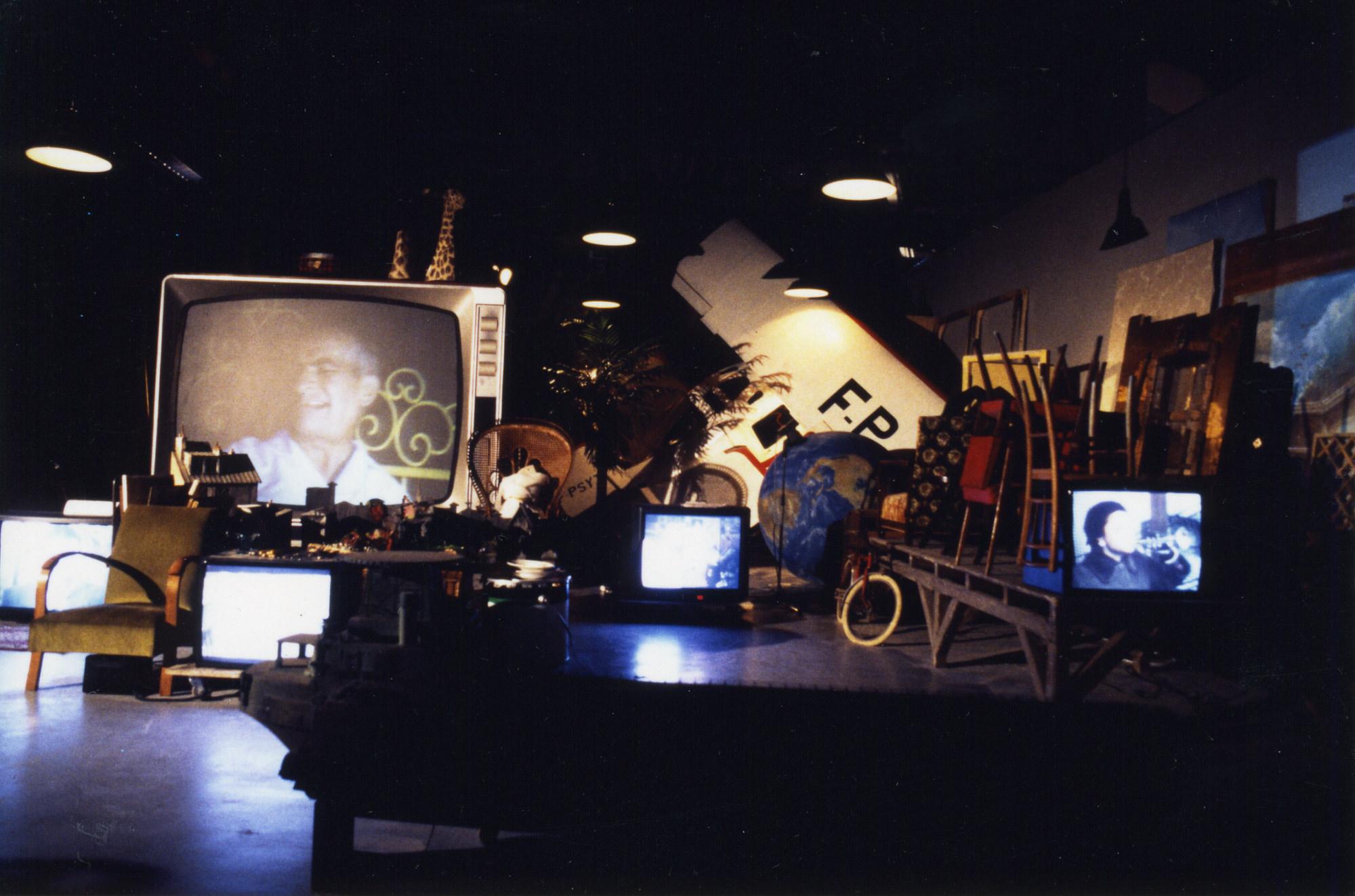 image-studio035